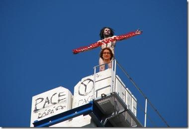protestatar-macara-teatru