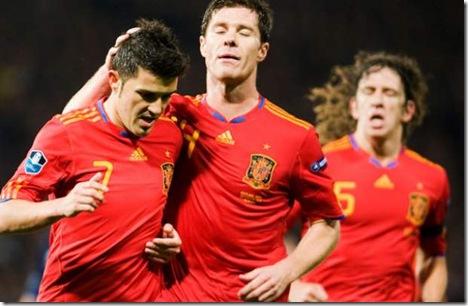 suporteri-de-gala-pentru-nationala-spaniei-david-villa-si-carles-puyol-vor-asista-la-finala-euro-2012