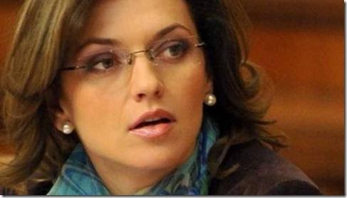 Schimbarea-la-fata-a-puterii--Femeile-in-politica---interviu-Alina-Gorghiu (1)