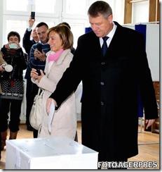 image-2014-11-2-18438179-0-klaus-iohannis-sotia-vot-alegerile-prezidentiale-2014-primul-tur