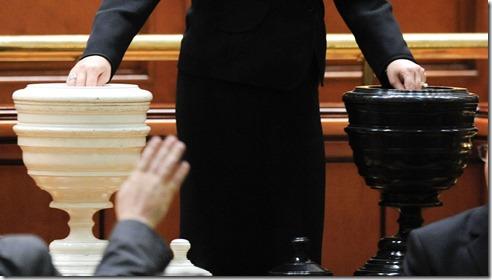 vot___de_cenzura___parlament_57485900
