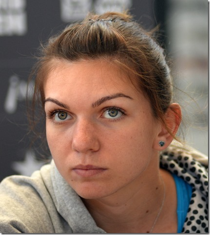 Simona_Halep_at_Madrid_Open_2014_adj