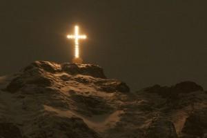 crucea_caraiman_in_noapte.jpg