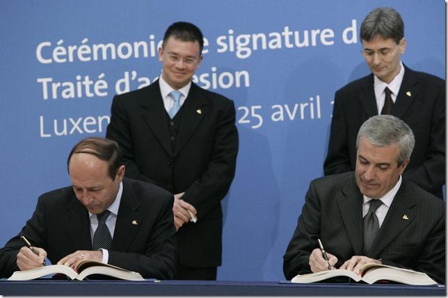 Signature du Traité d'adhésion de la Bulgarie et de la Roumanie